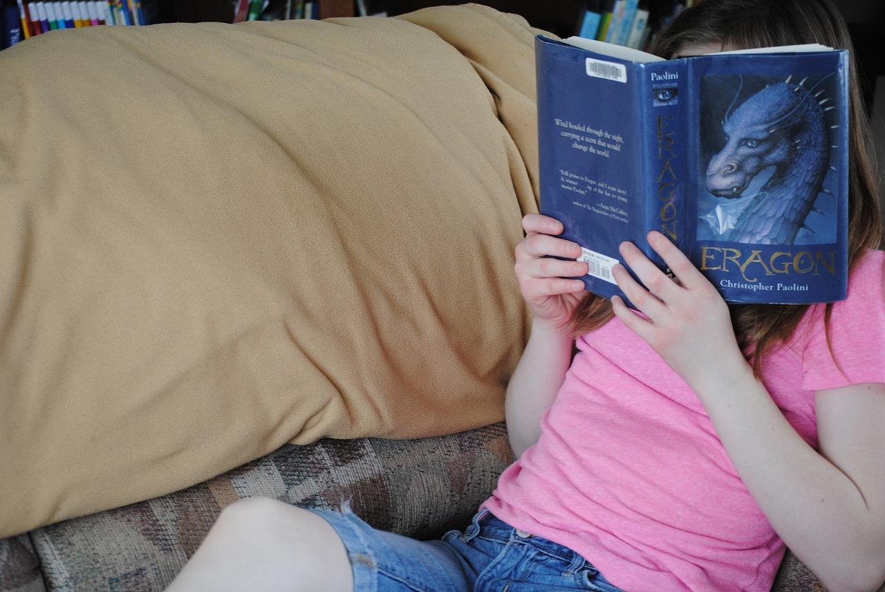 子供の姿勢の歪みを矯正して、だらしない座り方を改善する方法