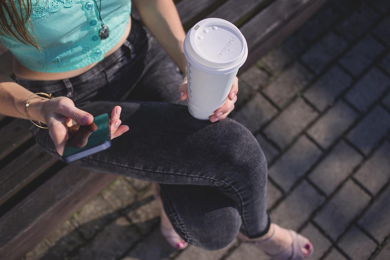 よく物を落とすのは胸郭出口症候群が原因かも?手に力が入らなくなる理由と解消法