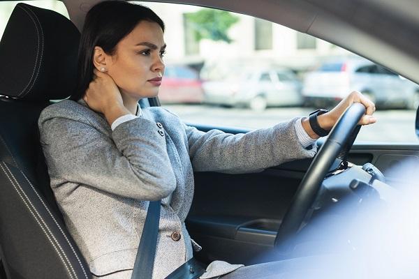 交通事故,むち打ち